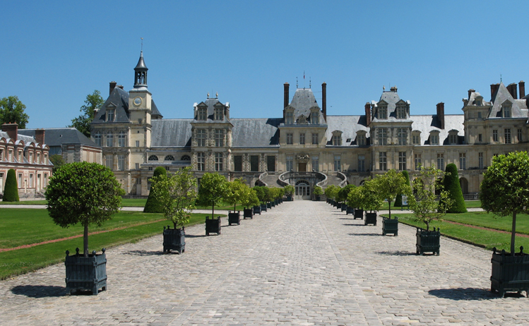 Day trips from Paris by train - Fontainebleau