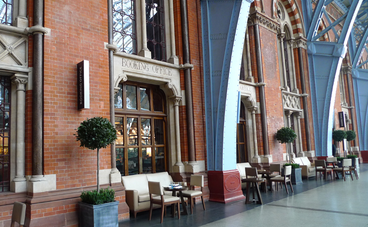 Train station restaurants - St Pancras booking office