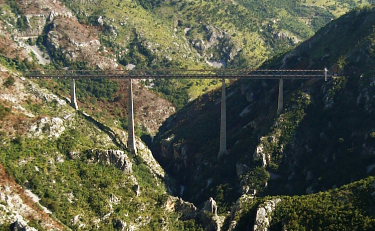 Amazing railway engineering - Mala Rijeka Viaduct