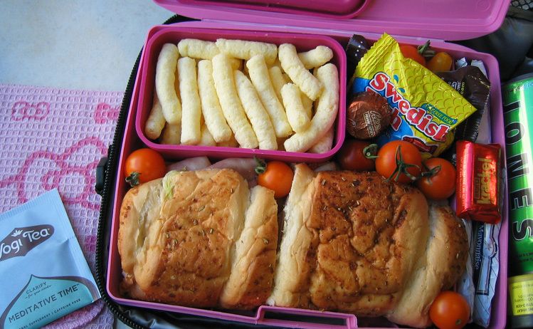 travelling by train with children - eating
